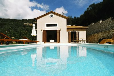 villa Penelope - pool view