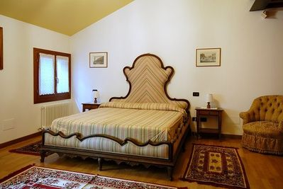 The luxury main bedroom in 'Le Magnolie'
