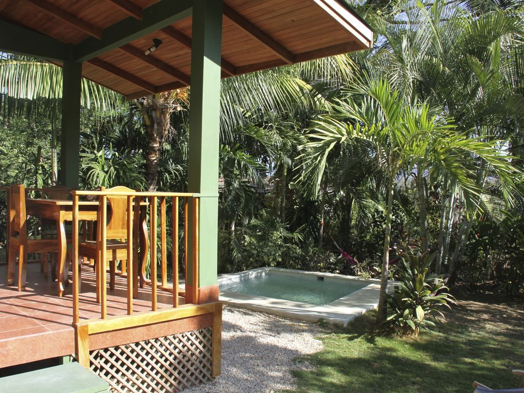 Nice bungalow with private pool and garden s mara samara for Garden pool bungalow