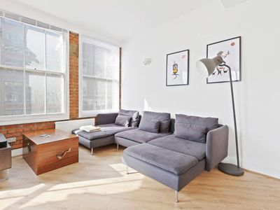 Photo for Spacious, Retro-style 2-Bed, 5 mins to Old Street