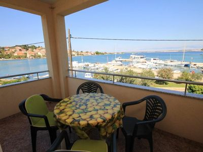 Photo for One bedroom apartment with terrace and sea view Preko (Ugljan)