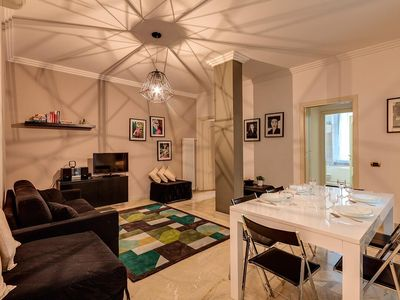 Photo for DOLCE VITA I - Elegant 2-bedroom apartment in the Spanish Steps