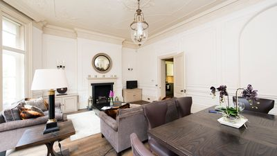 Photo for Lovely, Spacious 2BR Apartment in Mayfair