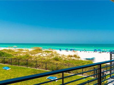 Short 1-2 Night Stays! Beach Front Luxury King Room - Sleeps up to 4 People!