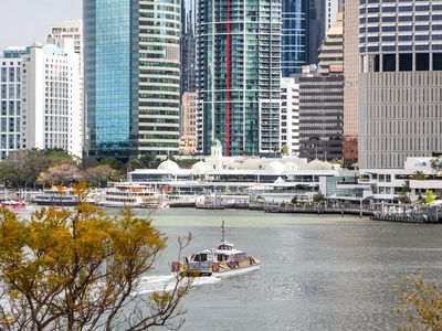 Photo for Two Bedroom Unit on the River with Wifi, Parking, Pool walk to Restaurants