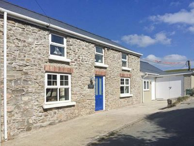 Photo for HILLBROOK HOUSE, pet friendly in Nolton Haven, Ref 30296