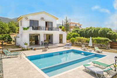 Beautiful Seafront Villa with Private Pool, Terrace and Garden