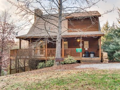 """Photo for """"Lucky Charm"""" is a cozy, 3 level log cabin situated on 3 acres."""