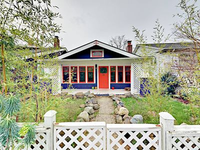 Photo for Seattle s romantic cottage PNW views! Walk to Zoo!