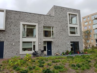 Photo for 3/4 bedroom spacious family home Amsterdam 10 min from the city center