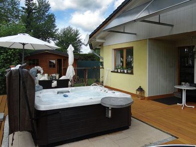 Photo for Holiday house with whirlpool, wellness hut, terrace and enclosed garden