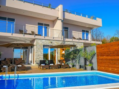 Photo for Holiday house with pool and barbecue