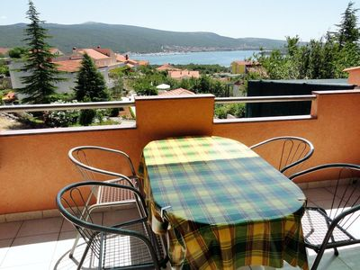 Photo for Two bedroom apartment with terrace and sea view Kornić (Krk)