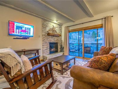 Discounted lift tickets! Completely Remodeled Steamboat Condo With Mountain View