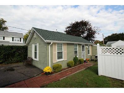 Photo for 1BR Cottage Vacation Rental in Narragansett, Rhode Island