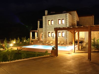 Photo for Villa Asteri, large holiday villa with private pool, close to the beach and village