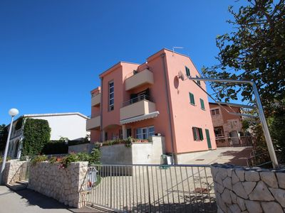 Photo for Just 70 m from the beach | Ideal for family | Outdoor shower, satellite TV, Wi-Fi, BBQ