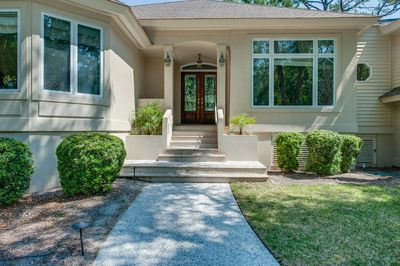 Front entrance, requires 8 steps up from front walk