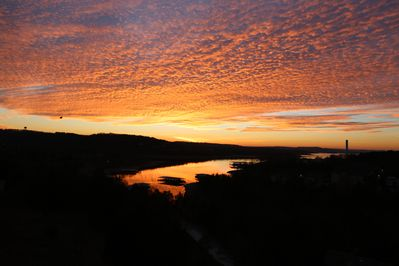 Sunrise over Table Rock Lake at Treehouse Condos