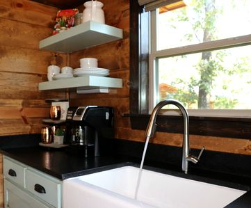 Farm sink, regular drip/keurig coffee pot for that morning Jo