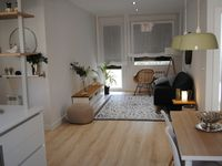 Clean, bright, good location. Easy walk to the old town. Close to coffee and markets