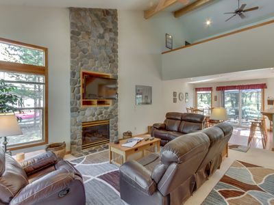 Photo for Sweet Sunriver home w/ private hot tub and outdoor space plus gas grill