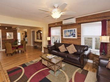 BEST OLD TOWN LOCATION-Newly Renovated 1BR/1BA house with private Hot Tub!