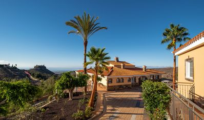 Photo for VILLA-VISTA-MAR with apartment and guesthouse
