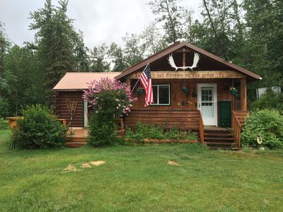 Nestled in a quiet community in the Mountains near the Matanuska Glacier