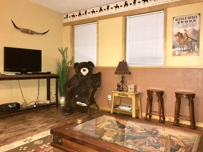 Photo for Beautifully designed 3 bedroom apartment next Yellowstone