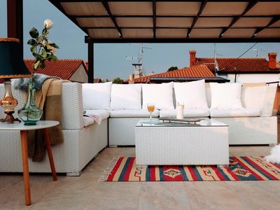Photo for Apartamento Sole with magnificent terrace, sea view, just steps from the beach