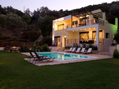 Photo for Elegant villa with beautiful view and private pool 100 m from the beach