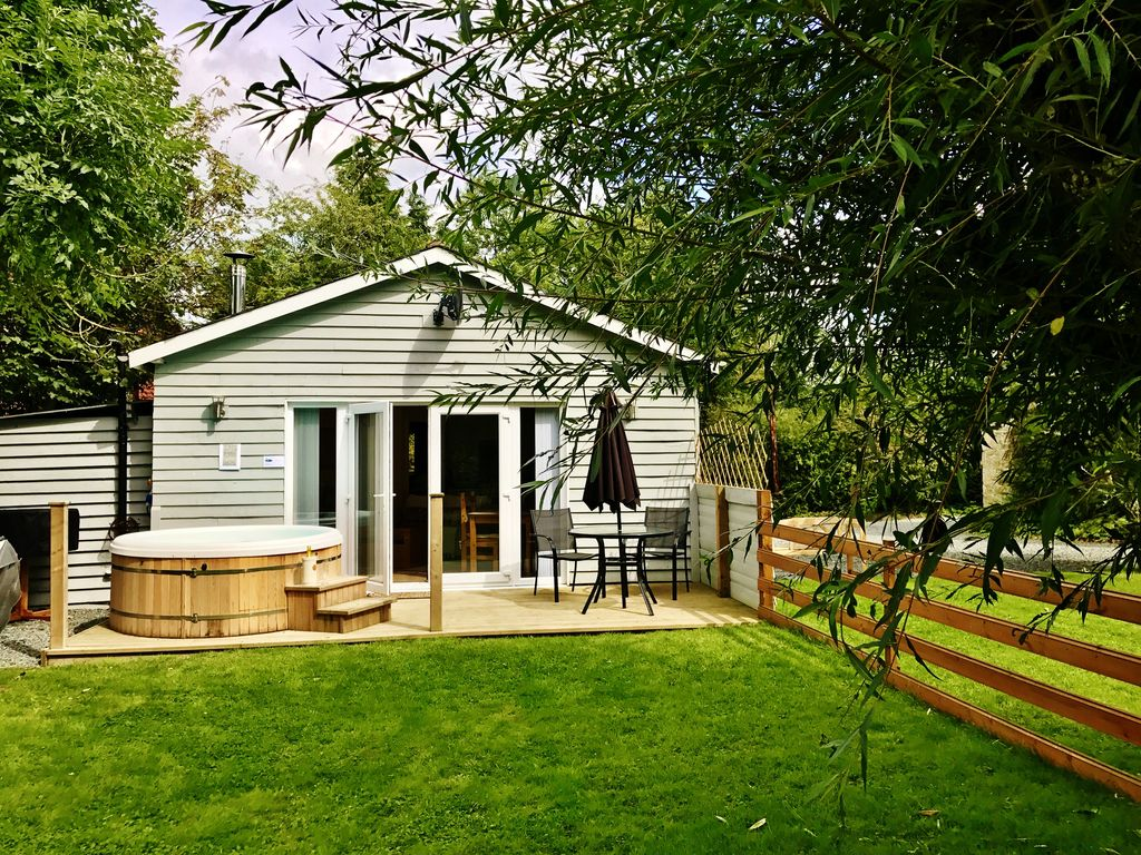 wales rent abercraf to swansea beacons brecon cottage mid cottages in rental
