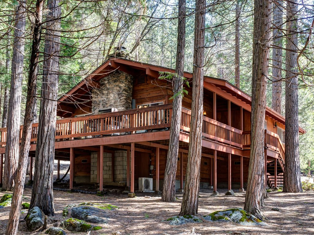 deal cabin home in area frame luxury national view ha from s cabins beach yosemite property the a wawona yards river park conservation bed image