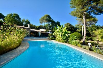 Private Provencal stone house with large heated pool