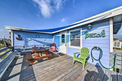 This vacation rental house comfortably sleeps up to 5 guests.