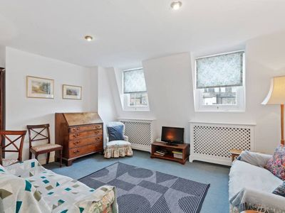 Photo for Cosy 2 bedroom flat in Pimlico, 10 mins to station