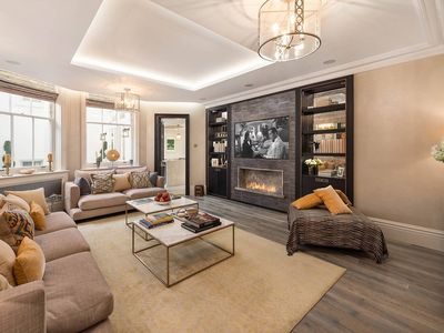 Photo for Total 5-star luxury 2BR Apartment in Knightsbridge - Walk to Harrods!
