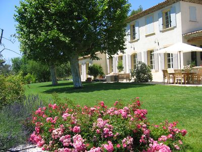 Photo for Elegant Bastide, amazing views, secured swimming pool, 5 mins from Aix Centre!