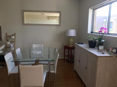 Photo for Bright, Relaxing & Convenient Pad Near Manly