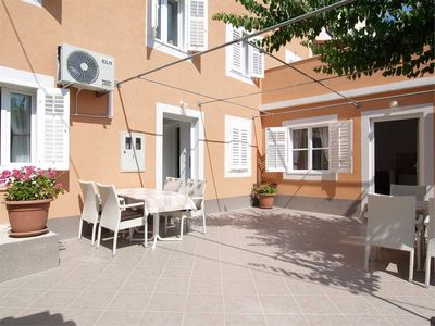 Photo for 1BR Apartment Vacation Rental in Mali Lo��inj, Kvarner Bucht