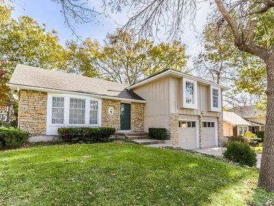 Photo for The whole 3 bedrooms/3 baths single family  house in Overland Park with sauna!
