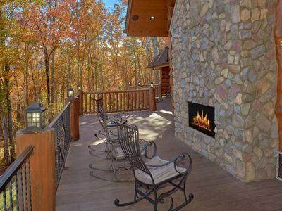 """Photo for Aug 10-15 fr $850/nt ~ Privacy on 7 Acres! """"Bear Paw"""" Luxury Cabin! Hiking Trail"""