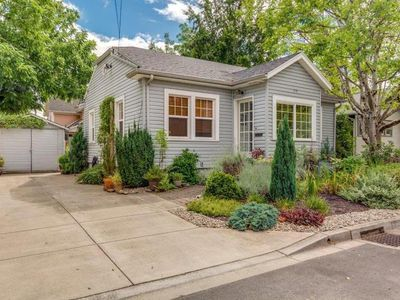 Photo for Your Home Away from Home In Downtown McMinnville