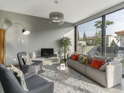 Photo for Vivenda Ajuda, villa near the center of Funchal.