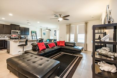 Modern 4 Bedroom 3 Bathroom Villa With Spa and Games Room Close to Disney -  West Haven