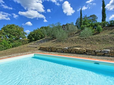 Photo for Beautiful apartment with WIFI, pool, TV, washing machine, panoramic view and parking, close to Siena