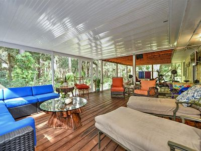 Nature lovers tranquil bungalow nestled in a tropical garden off the beaten path