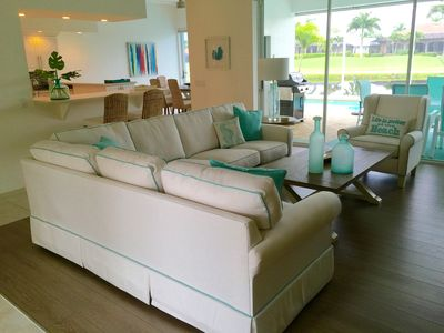 Photo for Newly renovated and completely furnished villa w/sea view, top location!