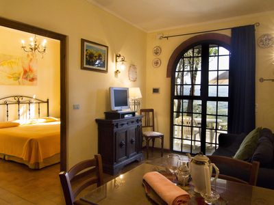 Photo for Romantic Apartment In The Heart Of Tuscany with stunning views - Il Pino